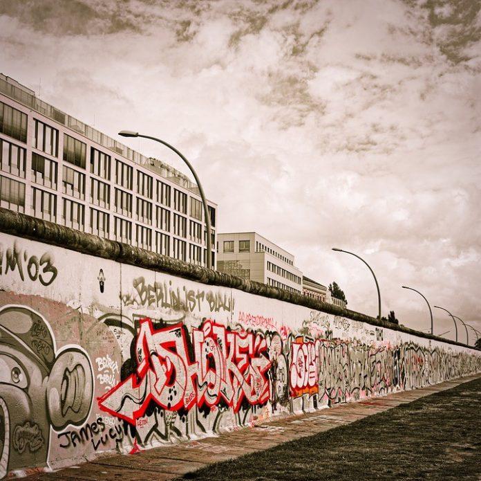 A Milano un murales di 90 metri
