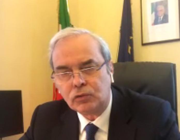 Variati nel suo ufficio a Roma